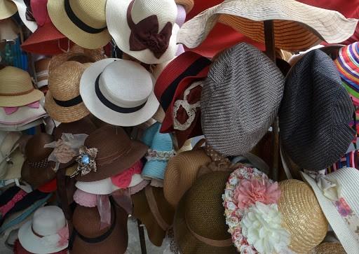 خرید کلاه در انواع مختلف