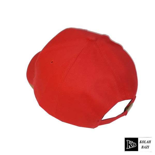 کلاه بیسبالی قرمز