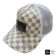 کلاه پشت تور سفید